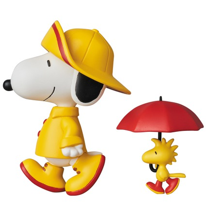 UDF PEANUTS SERIES 7 RAIN COAT SNOOPY & WOODSTOCK《Planned to be shipped in late February 2018》